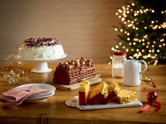 Costa winter cakes